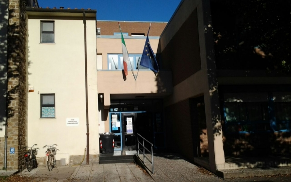 Ingresso scuola primaria Da Vinci