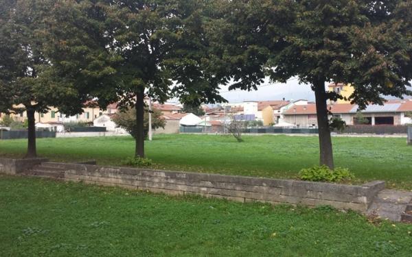 Giardino dietro scuola secondaria di primo grado Zipoli